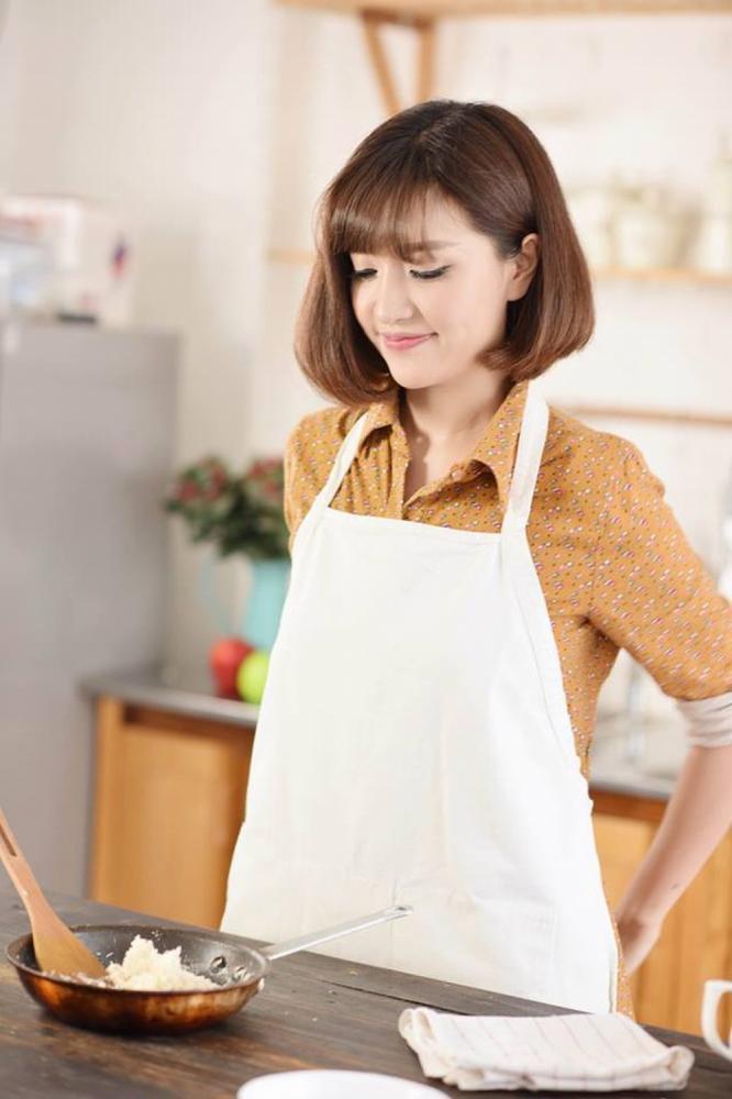 Bích Phương cũng sở hữu nét đẹp đặc trưng của Quảng Ninh, nàn da trắng tiếng nói thanh