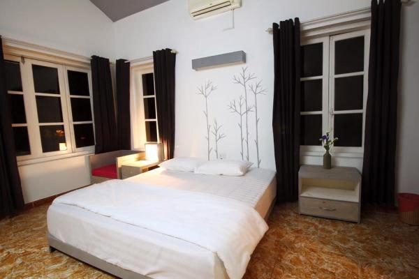Phòng nghỉ tiện nghi, sang trọng, ấm cúng đơn giản, ấn tượng (Ảnh: Banana and Rose)