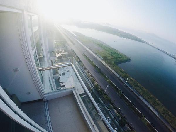 Tầm nhìn đẹp từ ban công của Brika Hostel (Nguồn: Songmoi.vn)