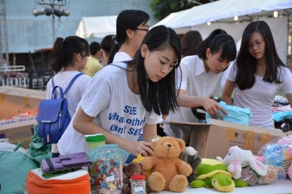 """Chương trình Mottainai """"Trao yêu thương - Nhận hạnh phúc"""" được tổ chức lần đầu năm 2013, bắt nguồn từ hoạt động thu gom đồ cũ để làm những việc có ích cho đời ở Nhật Bản. Ảnh: Hải Yến."""