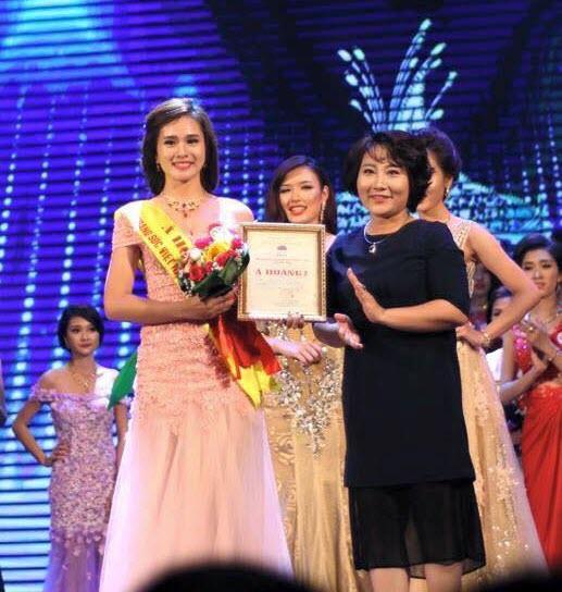 Nguyễn Thị Huyền Trang từng đoạt giải Á hoàng 2 trong cuộc thi Nữ hoàng Trang sức 2015.