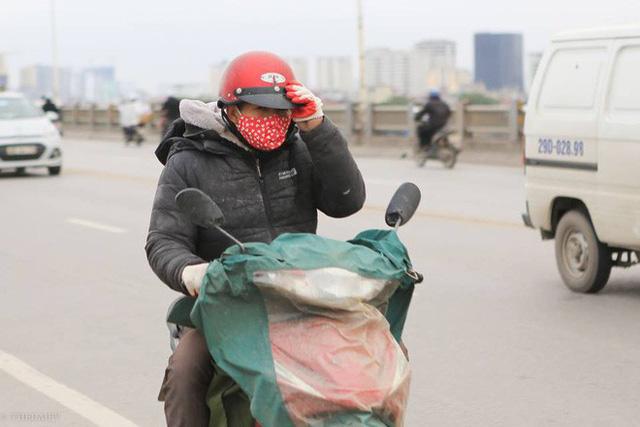 Từ trưa hôm qua (8/1), Thủ đô Hà Nội đón đợt không khí lạnh được cho là có cường độ mạnh nhất từ đầu mùa. Ảnh: Thời đại