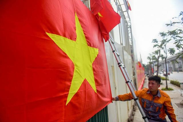 Tinh thần ủng hộ đội tuyển U23 được người dân Việt Nam thể hiện bằng nhiều cách và thường gắn với hình ảnh cờ đỏ sao vàng.