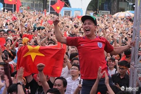 Sau nhiều ngày chờ đợi, người hâm mộ bóng đá TP.HCM có cơ hội gặp gỡ các tuyển thủ U23 vào chiều mai. Ảnh: Sỹ Đồng