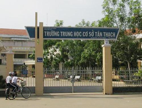 Trường THCS Tân Thạch - nơi diễn ra vụ việc. Ảnh: Nguyễn Xuân Thắng.