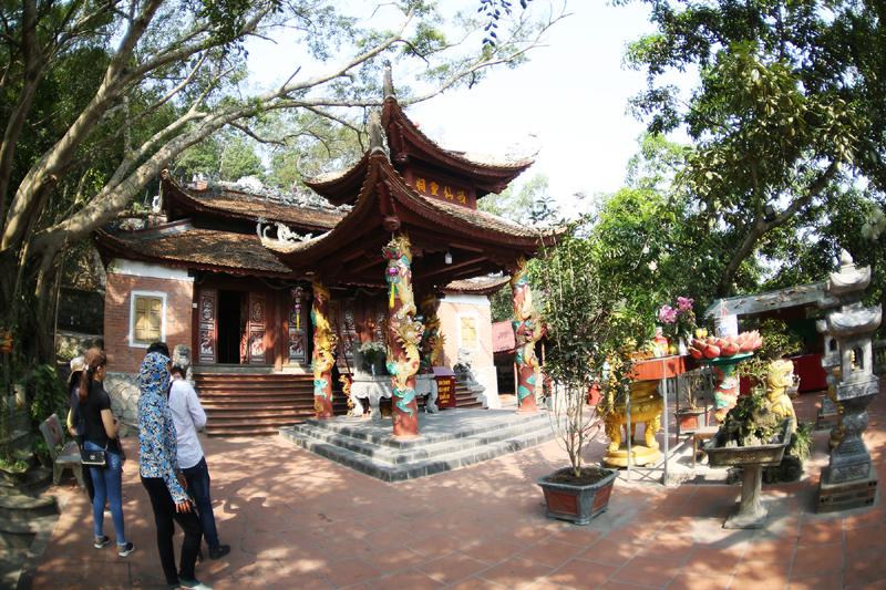 Đền Cặp Tiên được xếp hạng Di tích lịch sử quốc gia đặc biệt.
