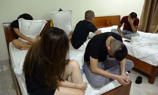Nhóm người bán d.âm được phát hiện tại khách sạn Osaka