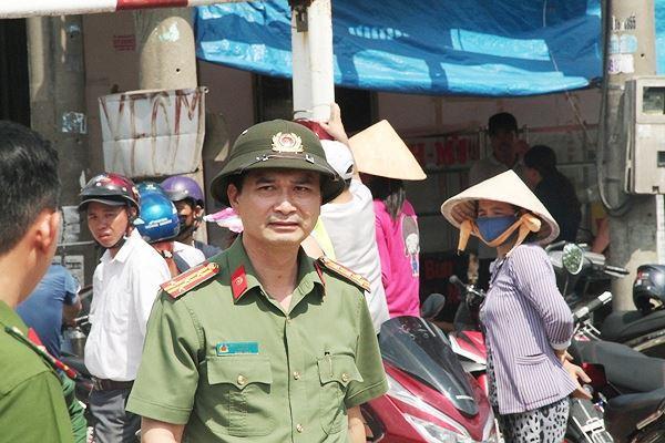 Đại tá Trịnh Ngọc Quyên - Giám đốc Công an tỉnh Bình Dương có mặt tại h.iện trư.ờng