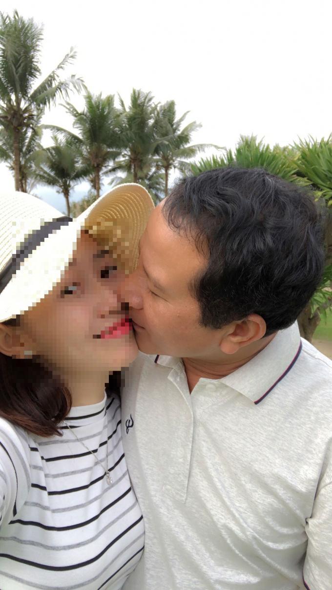 Hình ảnh thân mật giữa ông X và chị P vợ anh Trung