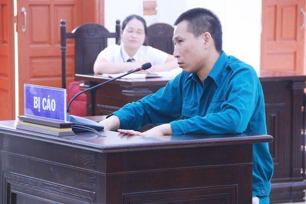 Bị cáo Phạm Văn Cửu - tên trộm đột nhập nhà dân, thãn nhiên hút xì gà rồi cuỗm vàng. (Ảnh: VNN).