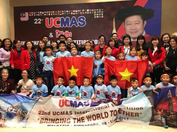 Em Lê Văn Nhân - học sinh Quảng Trị đạt giải Á Quân 2 phần thi Nhìn tính