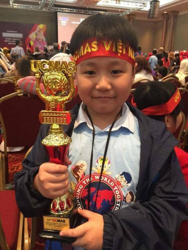 Em Lê Văn Nhân - Đoàn Việt Nam đạt giải Á Quân 2 phần thi Nhìn tính