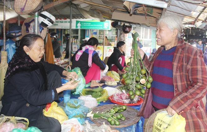 Cau tươi là mặt hàng nổi tiếng ở chợ phiên Cam Lộ
