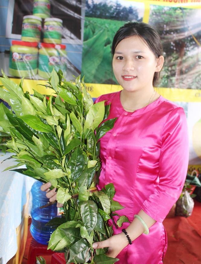 Cô gái xứ Cùa xinh đẹp lung linh