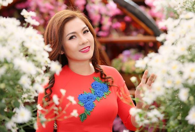 NSƯT Diệu Hương trình làng album Ca Huế
