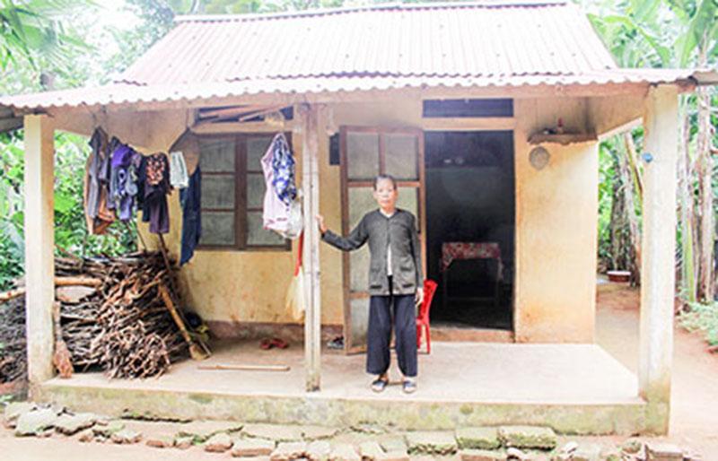 Tuổi già của bà Cháu cô quạnh trong ngôi nhà nhỏ