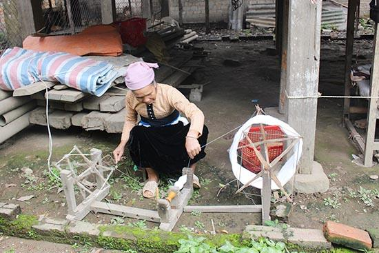 Khám phá nghề dệt vải truyền thống ở bản Búc (Phù Yên)