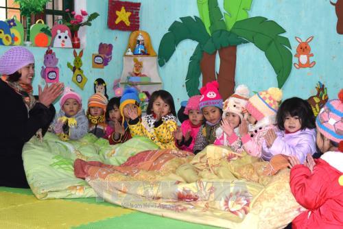 Sáng kiến giữ ấm cho trẻ trong giờ học tại trường Mầm non Na Hối.