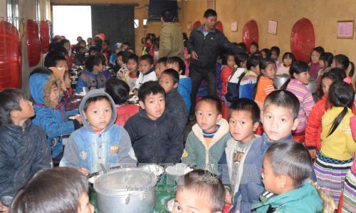 Bữa ăn bán trú tăng cường dinh dưỡng đảm bảo sức khỏe cho học sinh khối tiểu học tại trường PTDT bán trú Tiểu học Thải Giàng Phố, huyện Bắc Hà, Lào Cai.