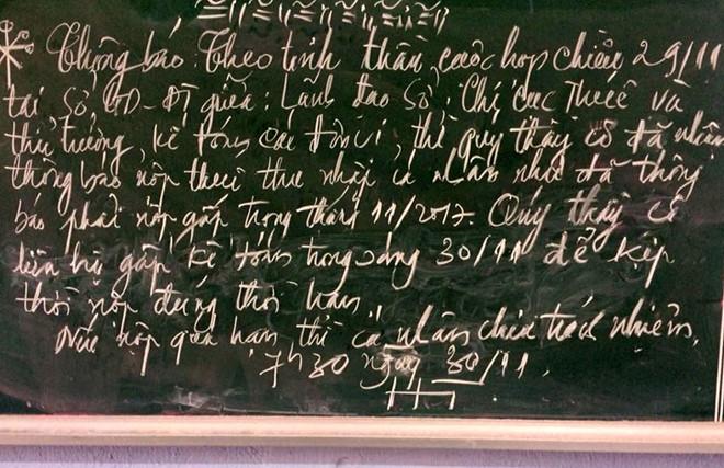 Thông báo giáo viên nộp tiền gấp ở một trường tại tỉnh Ninh Thuận. Ảnh: CTV.