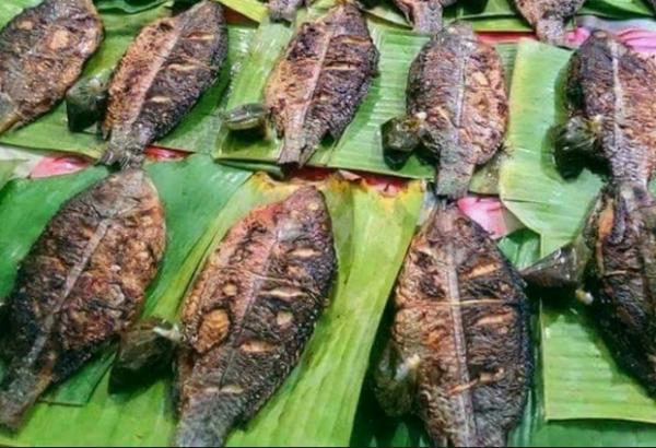 Các món ăn vịt quay, gà nướng hay cá nướng được vận chuyển mấy trăm cây số từ Tây Bắc về Hà Nội phục vụ giới sành ăn.