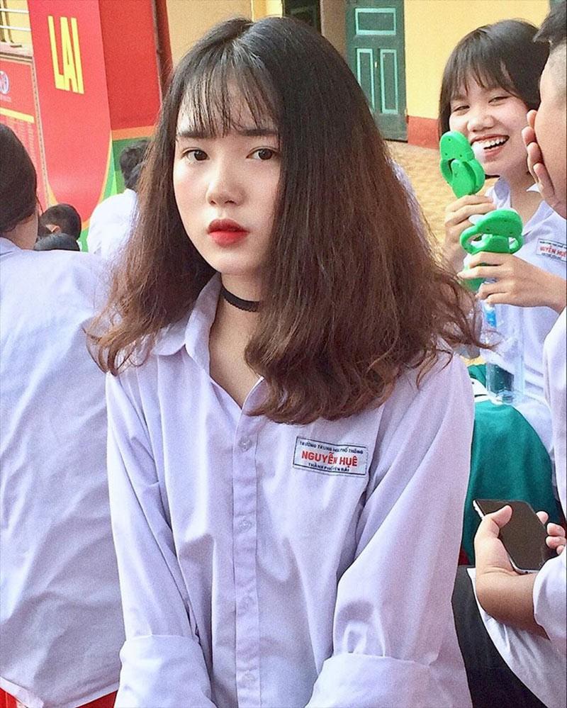 Để tóc dài cũng xinh xắn lắm!