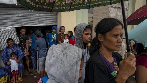 Người dân Gonzaga tại nơi trú ẩn. Ảnh: Getty Images