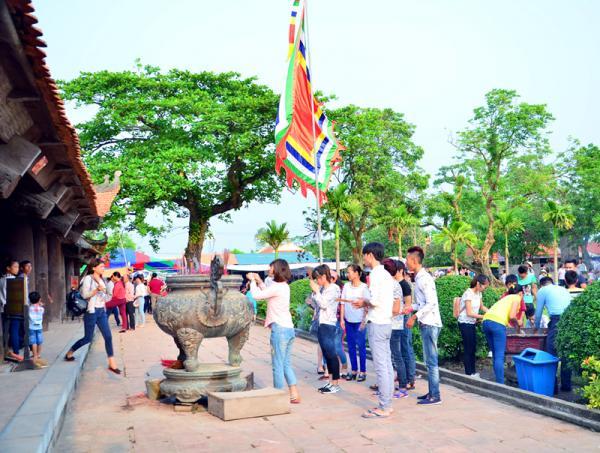 Hằng năm, chùa đều mở hội xuân vào mùng 4 tháng Giêng và hội thu từ 13 đến 15-9 âm lịch, thu hút hàng vạn lượt du khách thập phương đến chiêm bái.