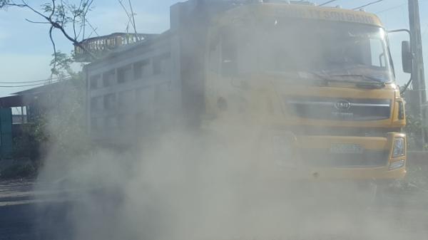 Người dân quanh khu vực Cầu Trà Lý bất bình trước nạn xe quá tải thời gian qua nhưng không biết kêu ai?
