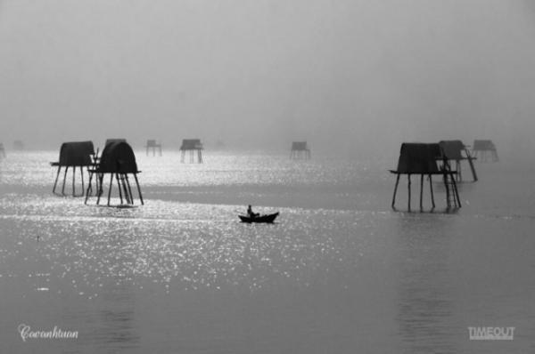 Biển Đồng Châu với những chòi canh. Ảnh: Cao Anh Tuấn