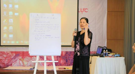 Bà Cúc trong một chuyến tập huấn nâng cao năng lực hỗ trợ cộng đồng cho PFLAG diễn ra vào năm ngoái