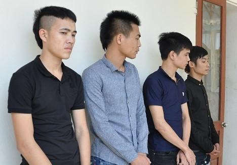 4 người trong số nhóm thanh niên ở Hà Nam bị bắt giữ. Ảnh: Công an cung cấp.