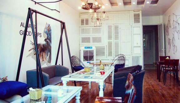 Không gian khá Tây tại King & Queen Coffee (Nguồn: Foody.vn)
