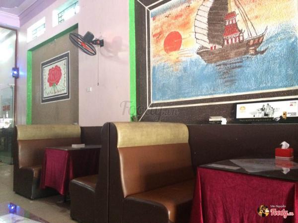 Không gian bên trong quán cafe Thanh Hiền Karaoke (Nguồn: Foody.vn)