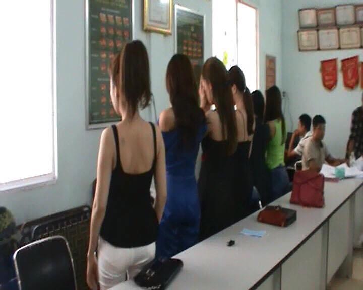 Những người đẹp tham gia đường dây mại dâm.