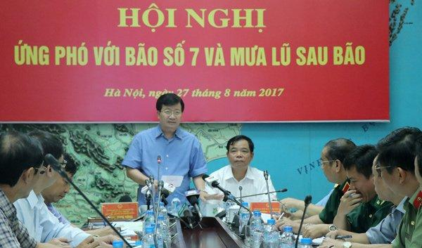 Phó Thủ tướng Trịnh Đình Dũng yêu cầu các địa phương không được chủ quan
