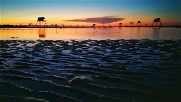 Miên man trên những cồn biển. (Ảnh: Fb Khu du lịch sinh thái Cồn Đen)