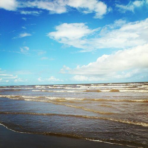Bãi biển còn nguyên nét hoang sơ. (Ảnh: Sưu tầm)