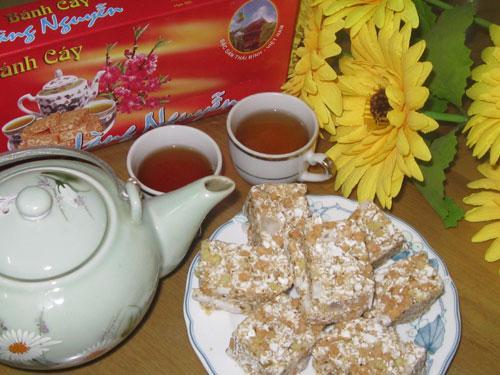 Bánh cáy mà được thưởng thức cùng trà nóng thì thật là tuyệt vời. (Nguồn: tourdulich.org.vn)