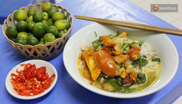 Bún cá Thái Bình ở Hàng Bài chắc chắn sẽ là địa điểm yêu thích của rất nhiều người mê ẩm thực đấy nhé! (Nguồn: khenh14.vn)