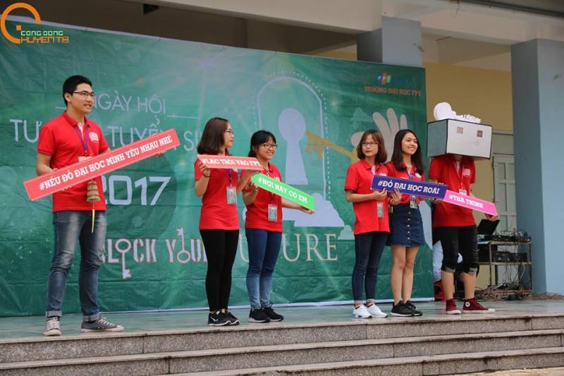 Ngày hội Tư vấn tuyển sinh 2017 dành cho 99-ers của Cộng đồng Chuyên Thái Bình. (Ảnh: FB Cộng đồng Chuyên Thái Bình)