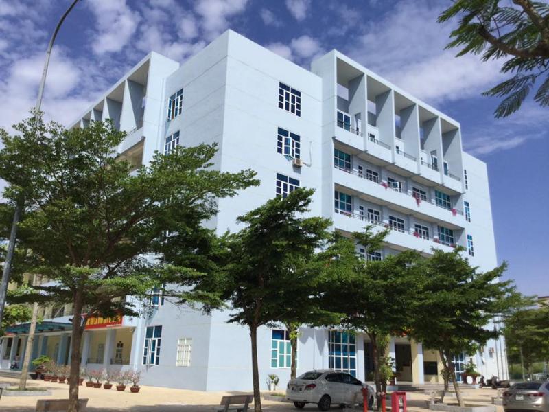 Tòa nhà 6 tầng mới tinh trở thành ngôi trường cao nhất Thái Bình. (Ảnh: FB THPT chuyên Thái Bình)