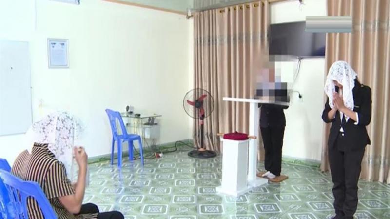 Hoạt động truyền đạo trái phép của Dương Thị Tuyến ở Thái Bình (Ảnh: Công an tỉnh Thái Bình)
