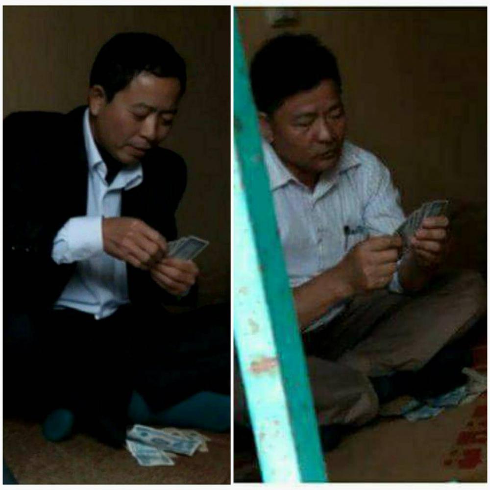 Bí thư Đảng ủy (áo khoác đen), Phó chủ tịch (áo sơ mi trắng) đánh bạc ăn tiền.