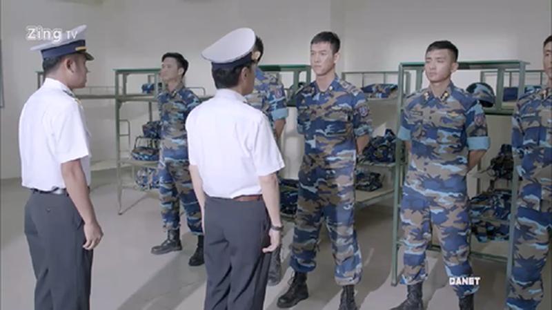 Tác phong xa lạ với quân nhân Việt Nam - Ảnh TPO