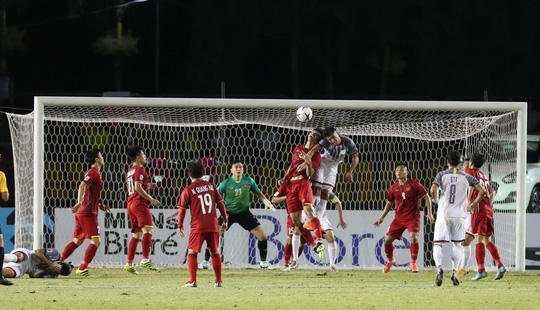 Thủ môn Đặng Văn Lâm trải qua 405 phút không bị thủng lưới tại sân chơi AFF Cup