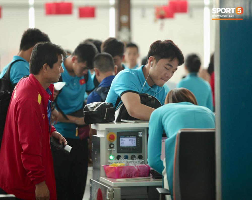 Chuyến bay khởi hành lúc 15h25 phút và sẽ hạ cánh tại sân bay Kuala Lumpur lúc 19h45 phút theo giờ địa phương (tức 18h45 phút giờ Việt Nam).