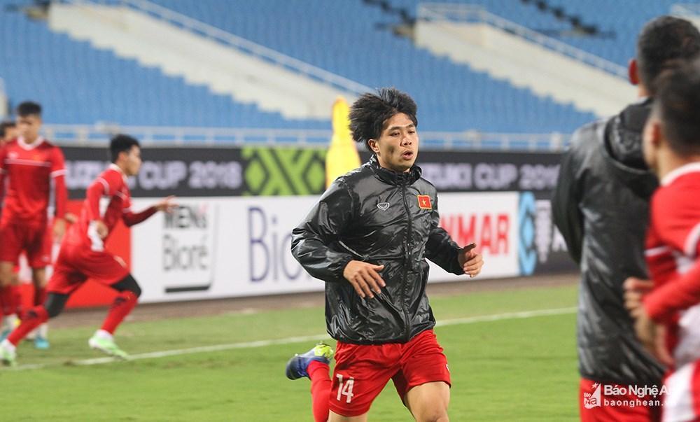 Chung kết AFF Cup 2018: Thầy Park đón tin vui từ Ngọc Hải và Văn Toàn Tiền đạo Nguyễn Công Phượng cũng là một quân bài trong tay áo của HLV Park Hang-seo khi đối đầu với người Mã. Ảnh: Trung Kiên