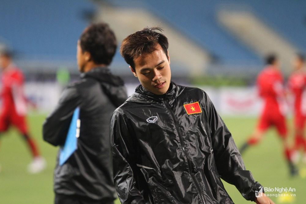 Theo ghi nhận của PV Báo Nghệ An, tiền đạo Văn Toàn không còn phải tập riêng như những trận đấu trước. Rất có thể anh sẽ được tung vào sân ở thời điểm quyết định. Ảnh: Trung Kiên