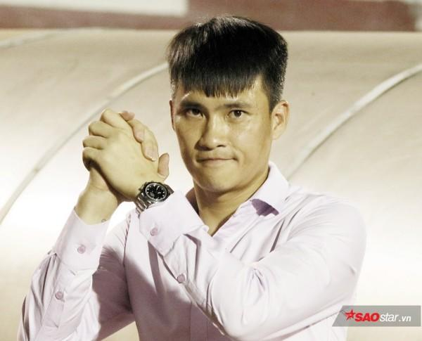 Công Vinh bận việc nên không thể dự khán trận Việt Nam - Malaysia.